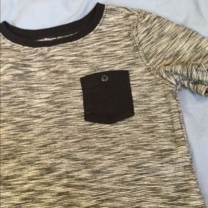 Boys 5T Old Navy black and gray pocket T-shirt